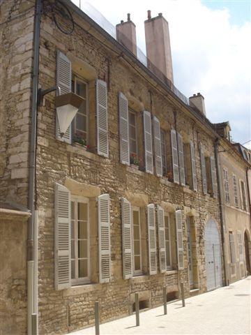 façade sur rue - LA PAILLONNÉE©SOPHIE LOPPINET MÉO