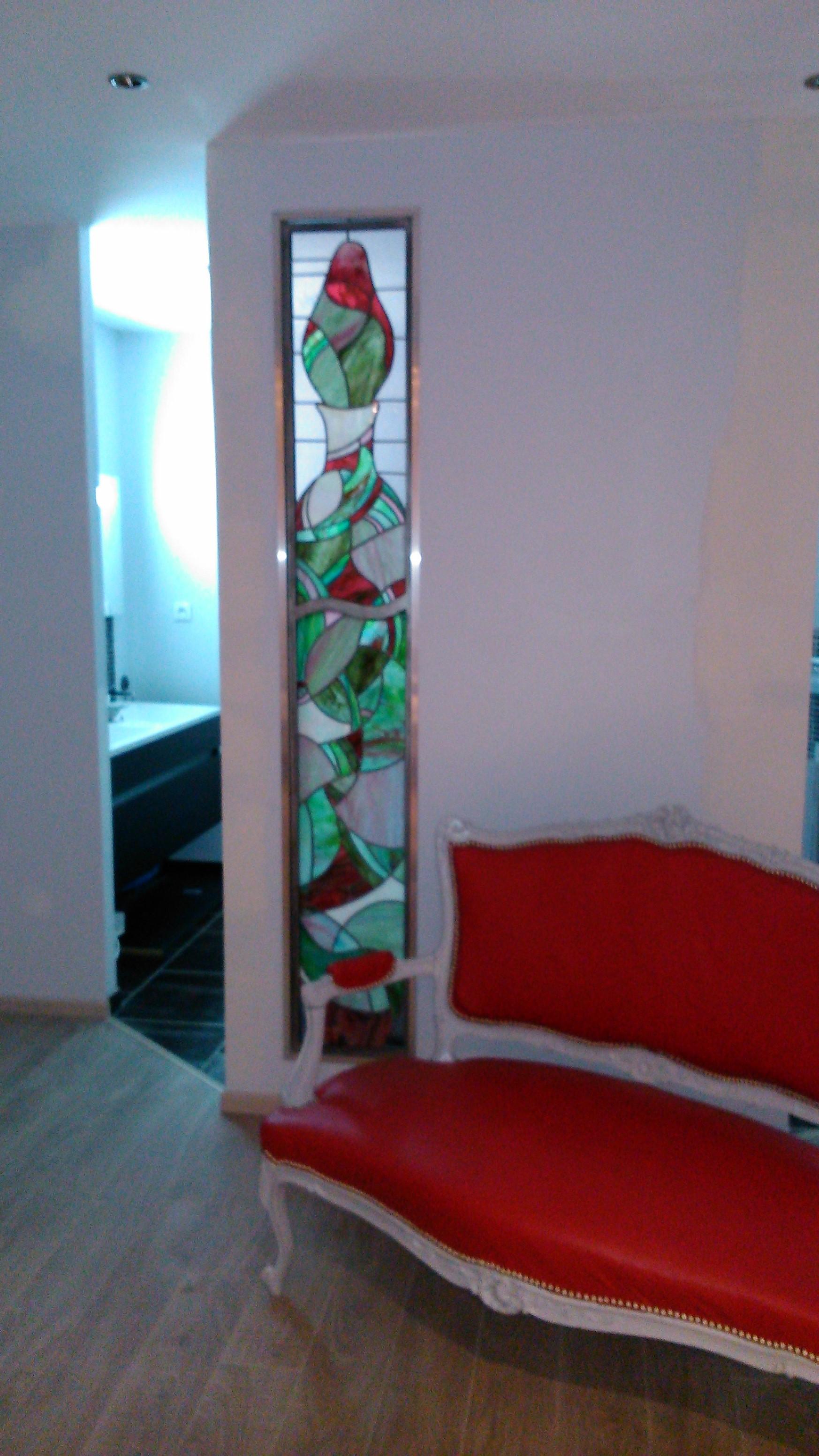 vitrail chambre aux senteurs - Le Logis de l''Ozerain © b.vanhalsy