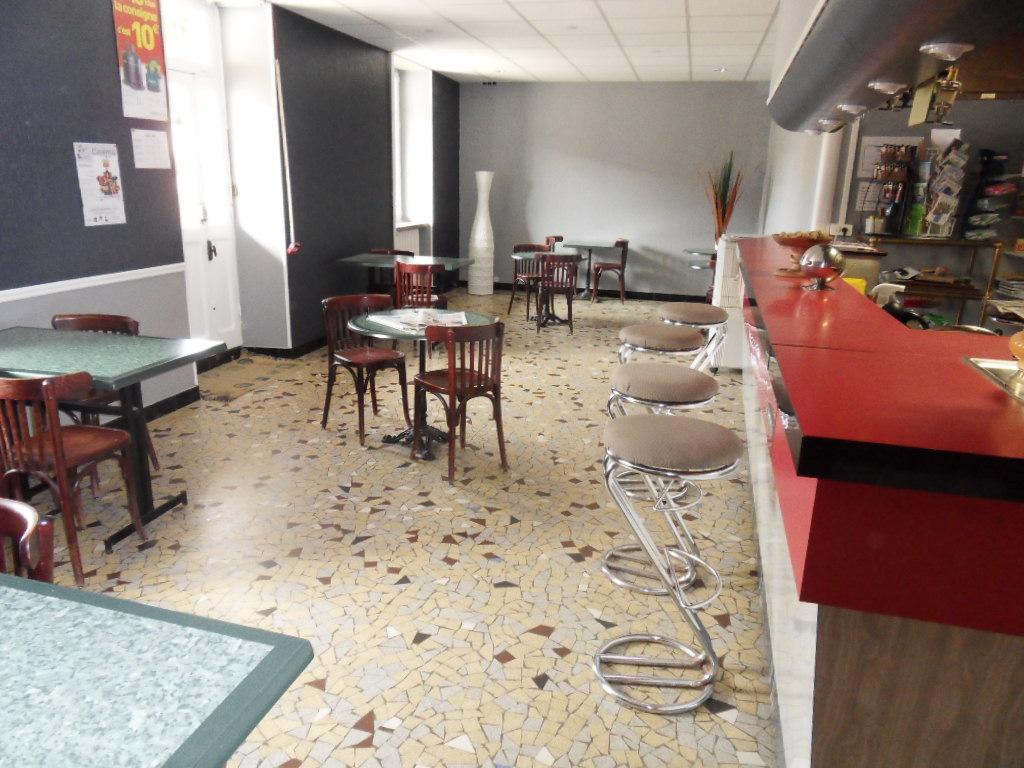 salle bar - HÔTEL RESTAURANT LE CHEVAL BLANC©DODANE RACHEL